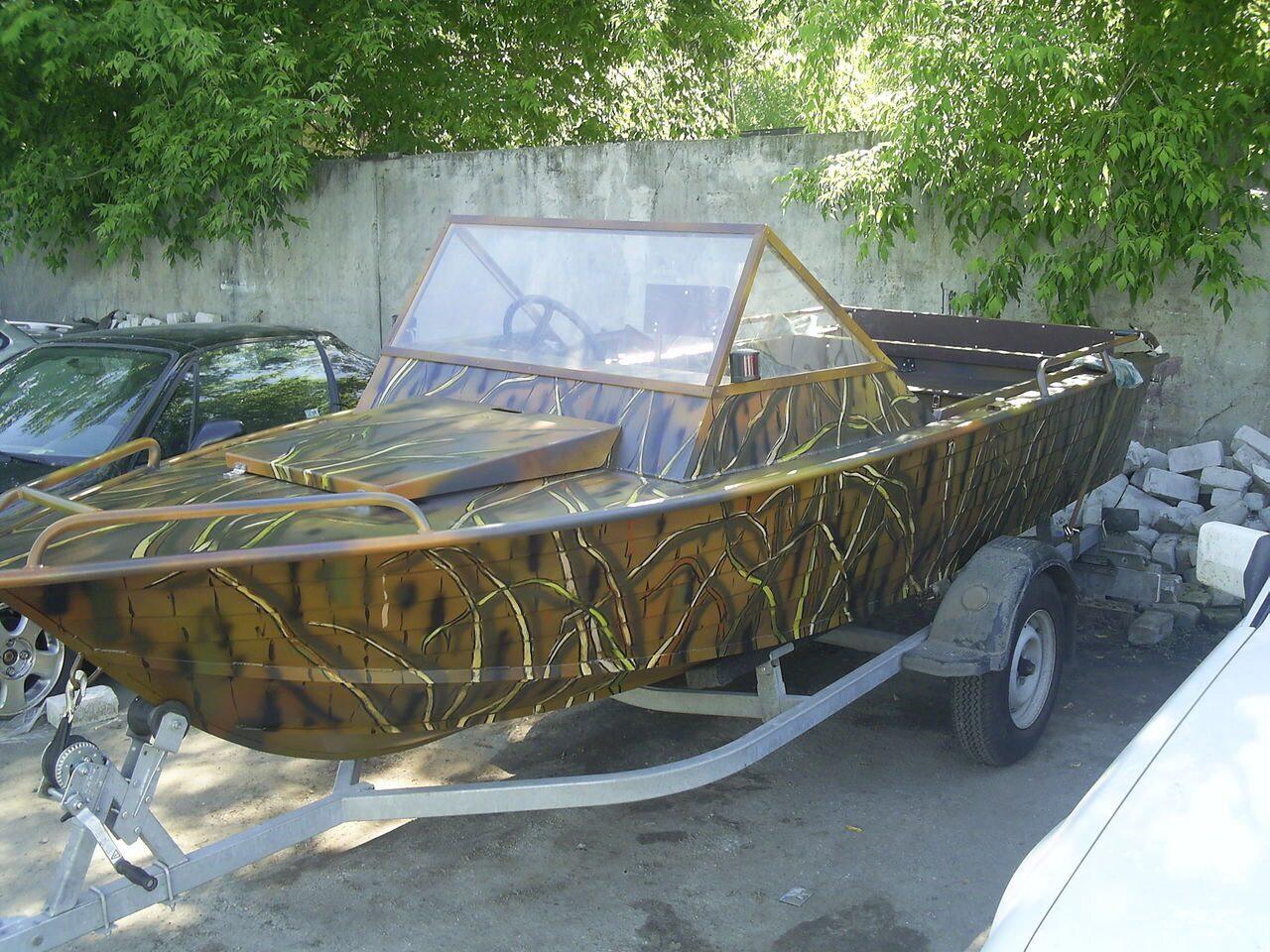 покраска лодки в камуфляж камыш фото